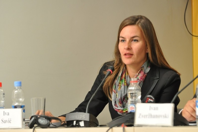 Iva Savic, SEESAC\'s Communications Officer presented the working of the platform to the audience.